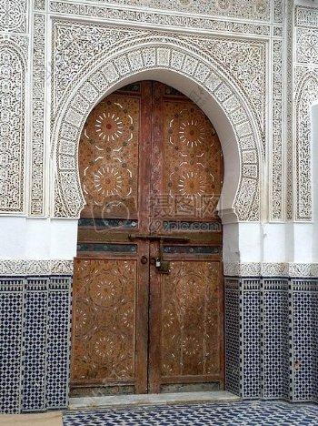 历史悠久的拱形门