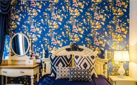 美式卧室蓝色背景墙设计图