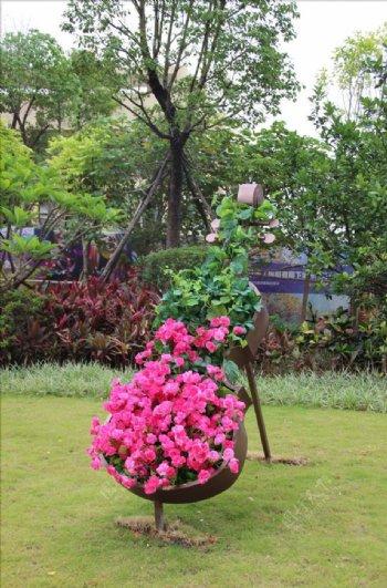 房地产园林小品大提琴花朵