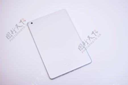 纯白背景银色平板电脑