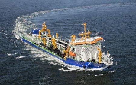 亚洲舱容量最大的自航耙吸式挖泥图片