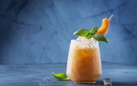 冰镇甜瓜水果汁图片