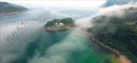 无人机拍摄雾岛