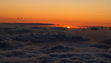白色云风景摄影日落橙子图片