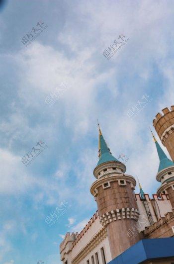 欧式建筑白云蓝天图片