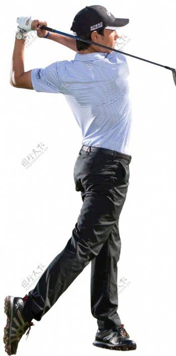 打高尔夫的男子图片