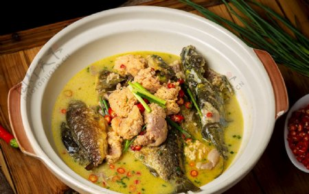 鲜鱼焖鱼籽图片