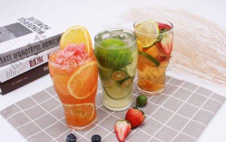 橙汁猕猴桃草莓图片